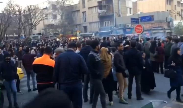 صورة من جديد.. احتجاجات في شوارع إيران