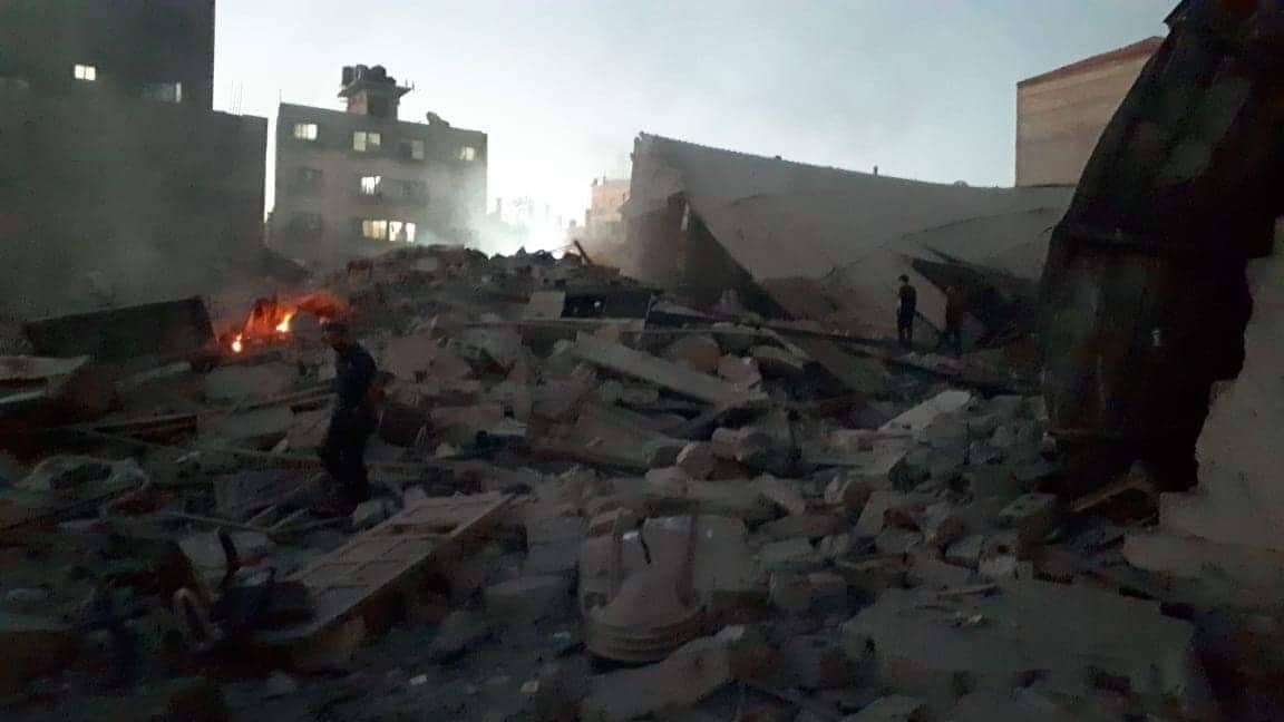 آثار قصف طائرات حربية إسرائيلية على قطاع غزة
