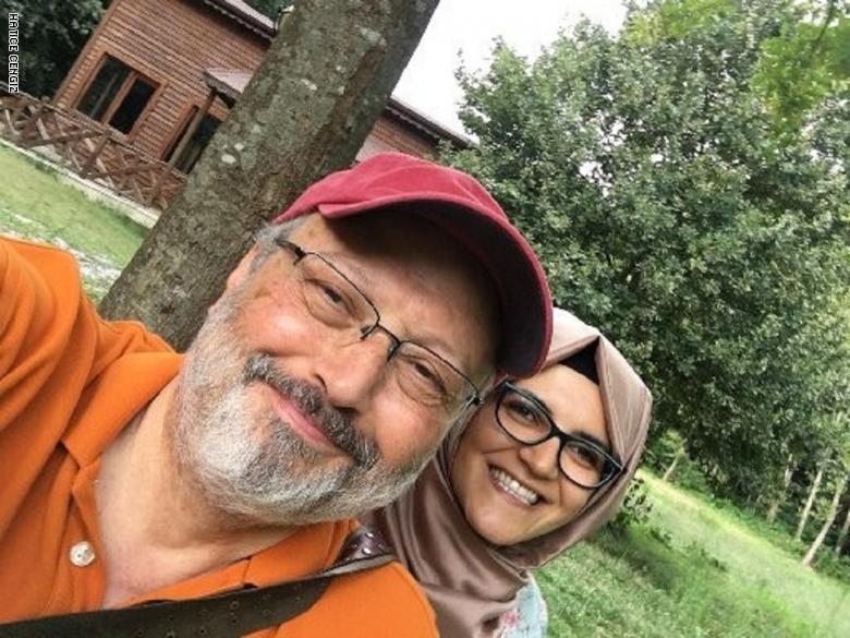 الصحفي السعودي المغدور جمال خاشقجي وخطيبته خديجة
