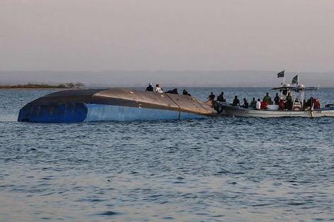غرق عبارة في نهر دجلة ومقتل 93 شخصًا على الأقل