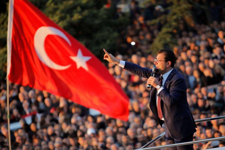 حزب الشعب الجمهوري يستولي على البلدية في اسطنبول ويسحبها من يد الحزب الحاكم