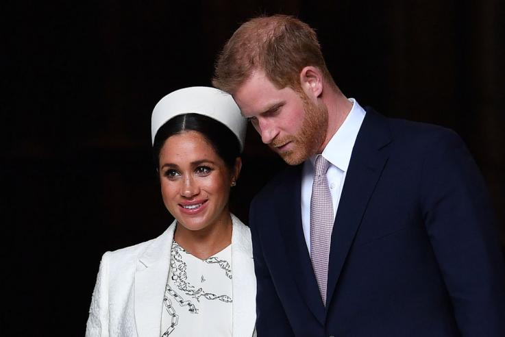 مع ولادة أول طفل للأمير هاري وميغان ماركل بين نهاية أبريل وبداية مايو، تنتشر التكهنات في جميع أنحاء المملكة المتحدة وحول العالم حول جنس المولود الجديد وما قد يكون اسمه