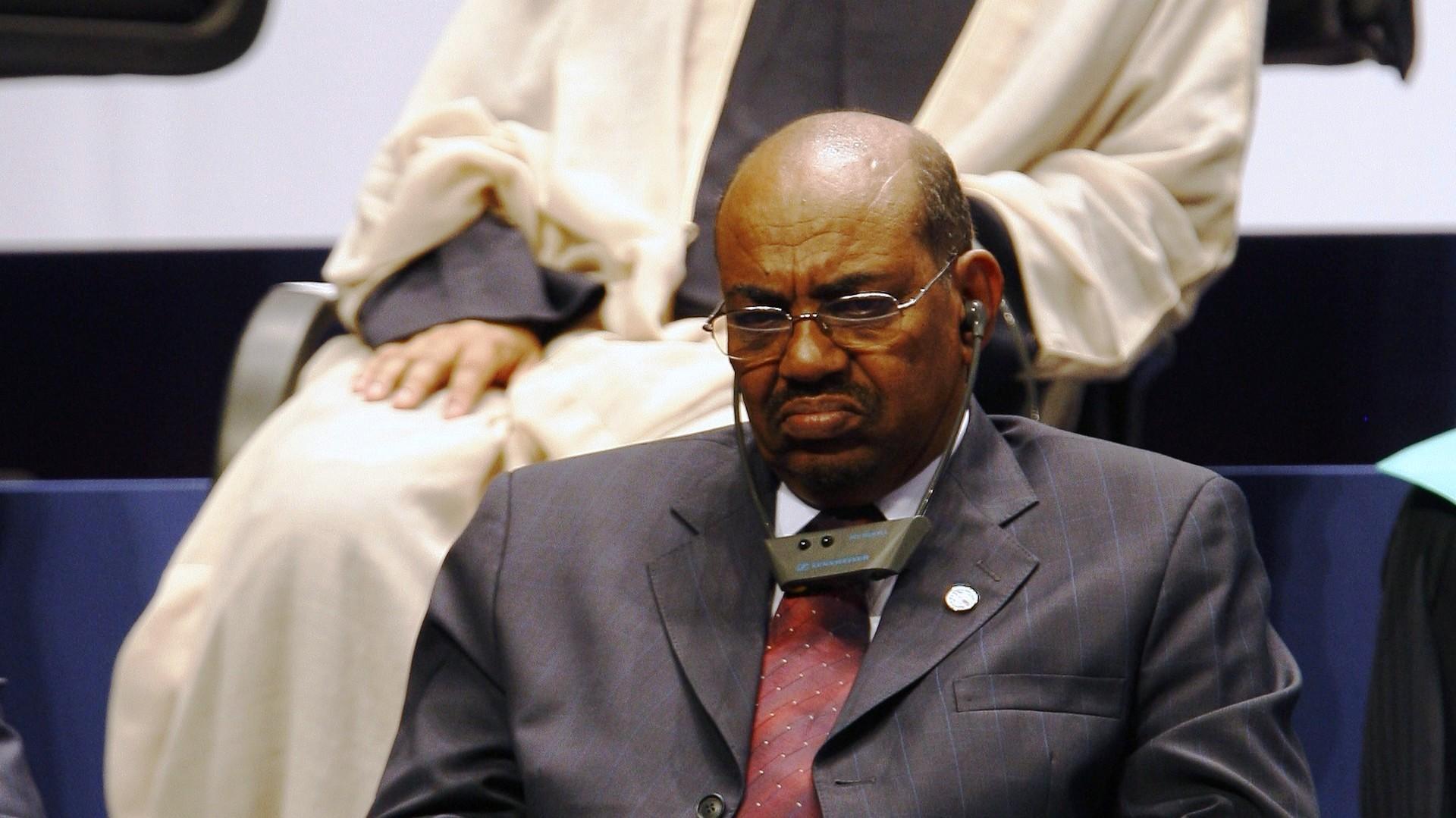 البشير حكم السودان منذ انقلابه عام 1989