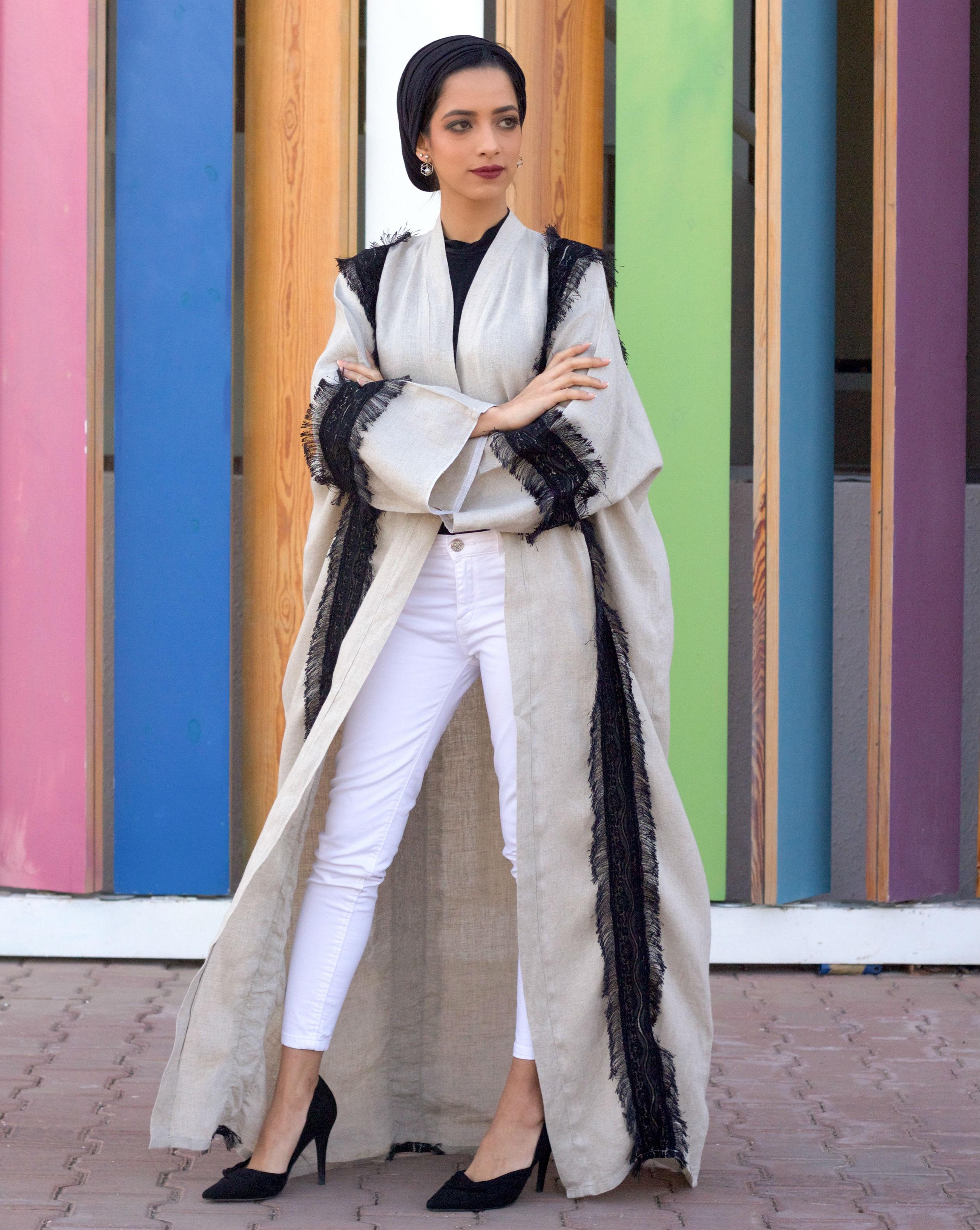 جانب من الأزياء المتنوعة للمرأة السعودية