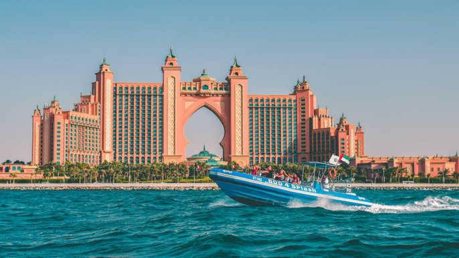 جانب من إمارة دبي الثرية