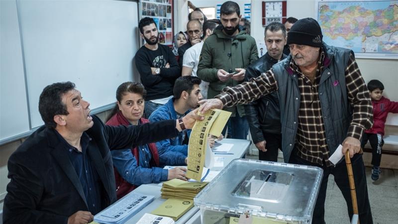 إعادة الانتخابات البلدية في اسطنبول بعد اتهامات بالتزوير