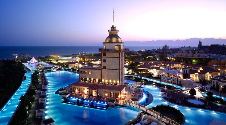 تركيا تستهدف جذب 70 مليار دولار من السياحة