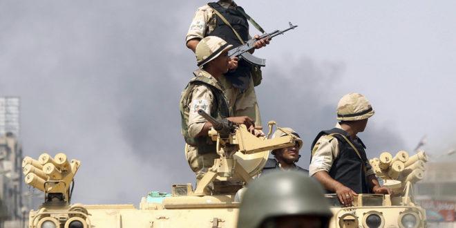 الجيش المصري يواجه مسلحين في سيناء منذ سنوات