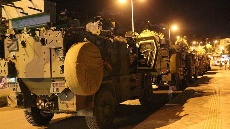جانب من التعزيزات العسكرية التركية نحو شمالي سوريا