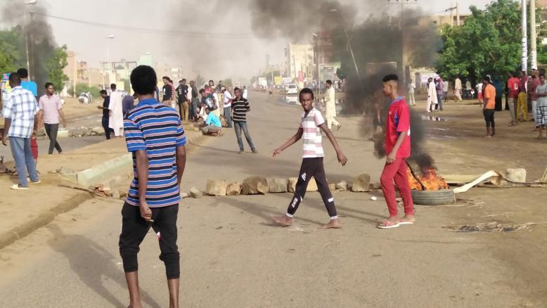 """جاء فض الاعتصام بعد حديث المجلس العسكري الانتقالي عن أن اعتصام الخرطوم """"فقد سلميته"""""""
