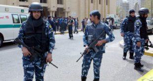 عناصر من الشرطة في الكويت