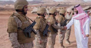 ولي العهد السعودي محمد بن سلمان يتفقد قوات المملكة على الحدود مع اليمن