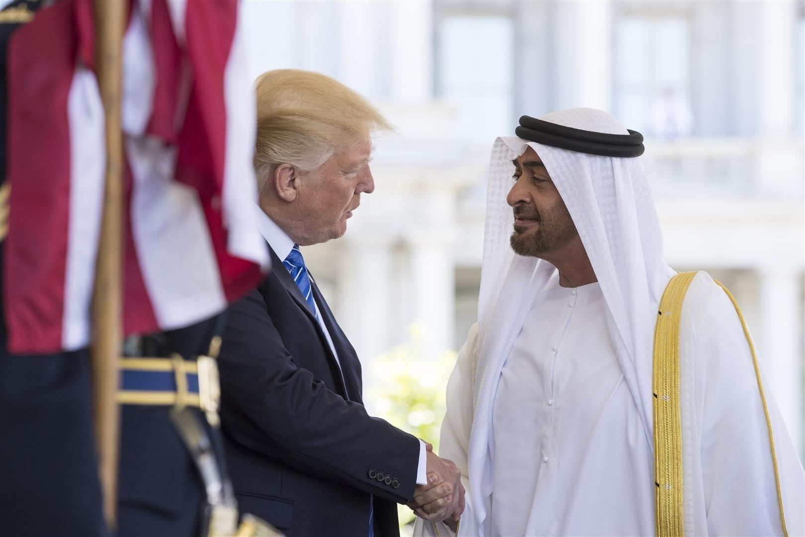 الرئيس الأمريكي دونالد ترامب خلال استقباله ولي عهد الإمارات محمد بن زايد