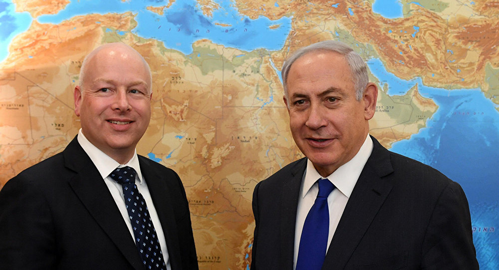 المبعوث الأمريكي إلى الشرق الأوسط جيسون جرينبلات ورئيس الوزراء الإسرائيلي بنيامين نتنياهو