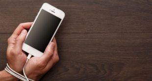 أضرار جسيمة للإدمان على الهواتف الذكية