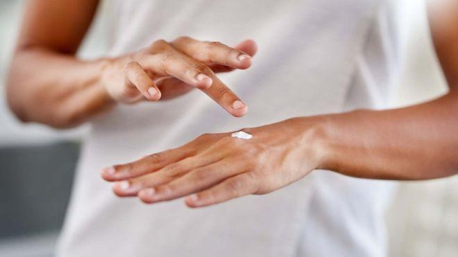 جمعيات بريطانية قالت إن بعض كريمات تفتيح البشرة قد تؤدي إلى الموت