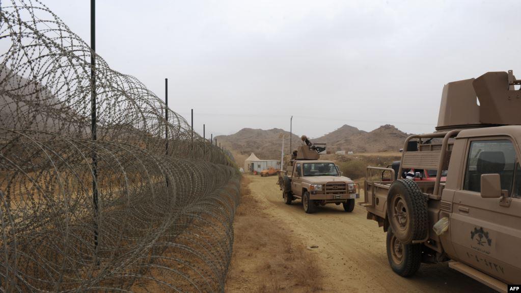 """صورة تقرير حقوقي صادم عن """"محرقة الحدود"""".. السعودية تُجند آلاف اليمنيين للقتال على حدودها وتدفن القتلى في مقابر مجهولة!"""