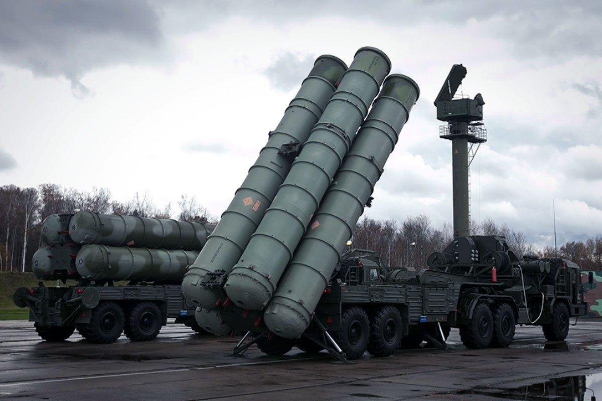 صواريخ منظومة S-300 الروسية للدفاع الجوي