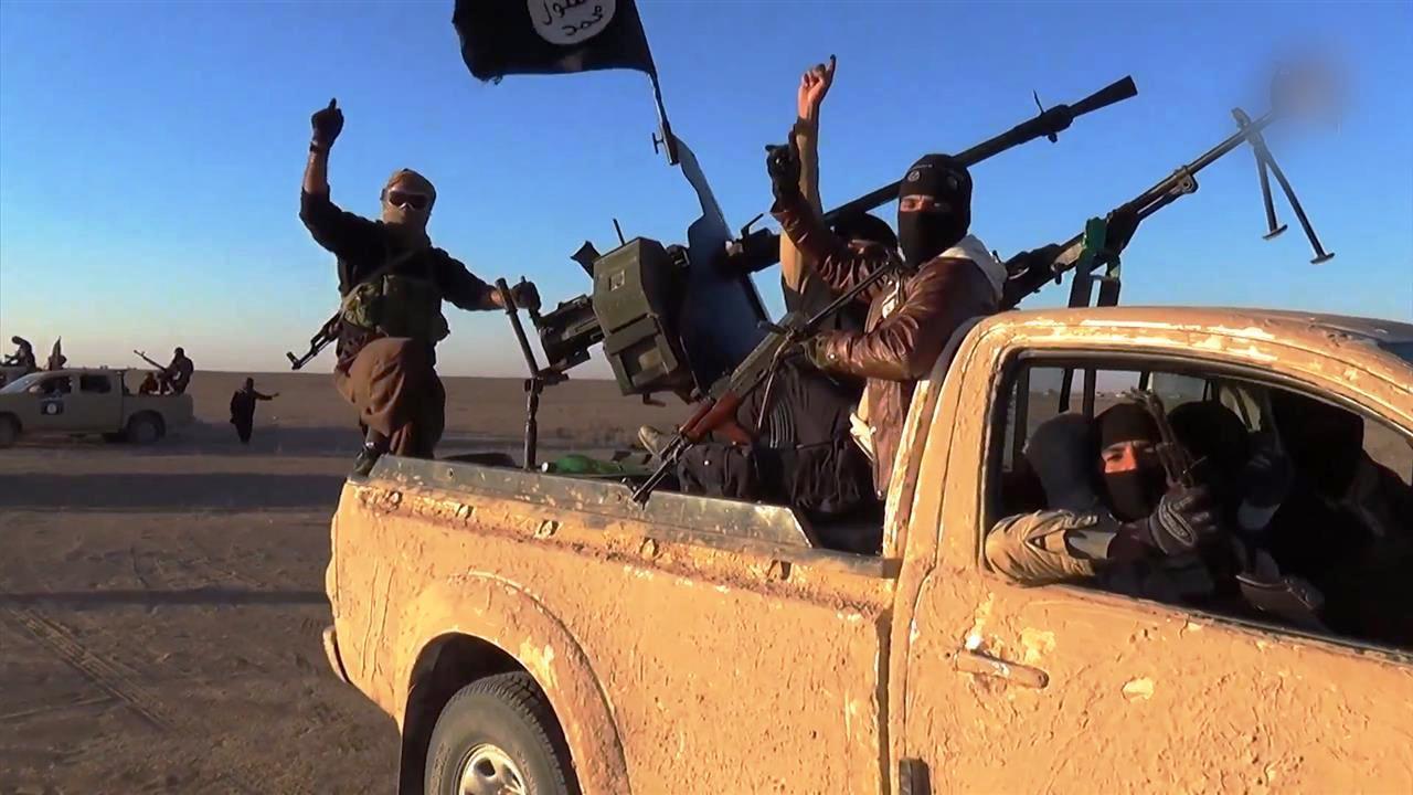عناصر من تنظيم داعش المتطرف