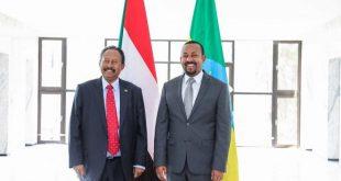 رئيسا وزراء إثيوبيا (يمين) والسودان