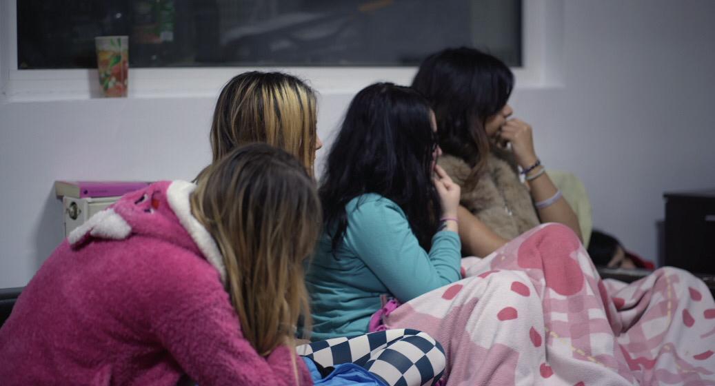 جانب من وثائقي يتحدث عن انتشار تجارة الجنس والدعارة في الإمارات