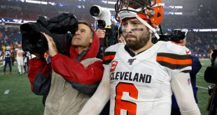 Browns QB Baker Mayfield ends news conference after contentious exchange with reporter: 'Dumbest question you could ask'