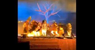 لقطة من فيديو الهجوم على فناني المسرح