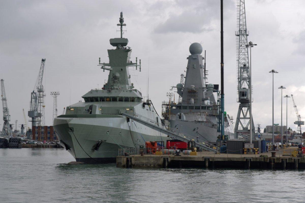 قطع حربية تابعة للبحرية الملكية السعودية