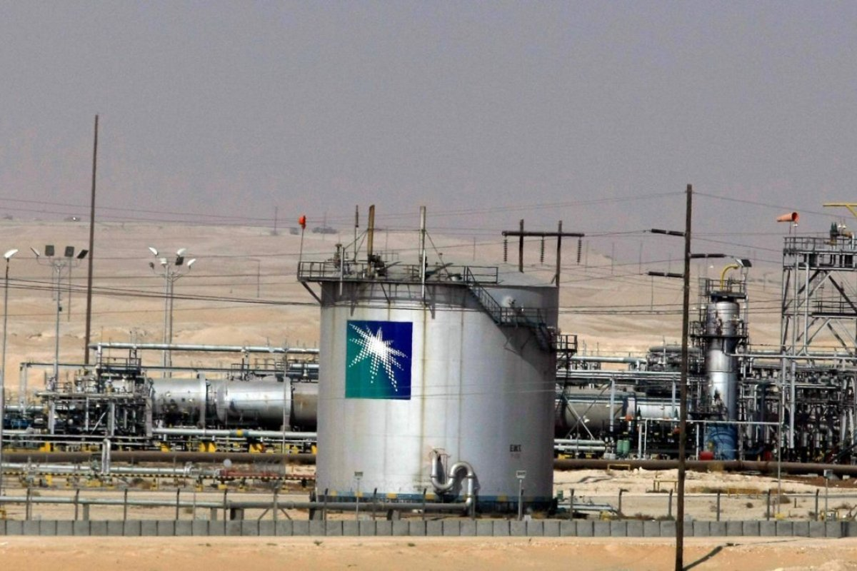 """صورة بعد انهيار """"أوبك +"""" والانخفاض القياسي في الأسعار.. السعودية تبدأ الحرب وتخطط لزيادة إنتاج النفط"""