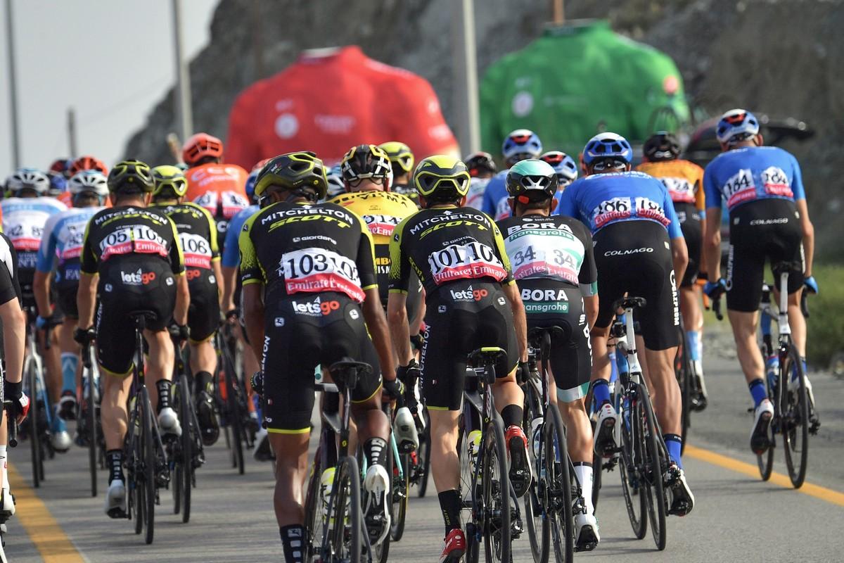 جانب من سباق الدراجات في الإمارات