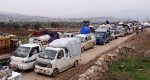 استمرار النزوح من إدلب نحو الحدود التركية