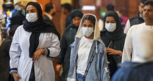 مواطنون يرتدون أقنعة في الكويت للوقاية من عدوى فيروس كورونا