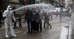 تعقيم بعض المناطق في غزة للوقاية من فيروس كورونا