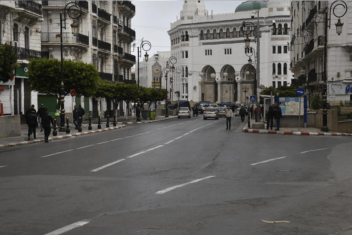شوارع فارغة بسبب فيروس كورونا