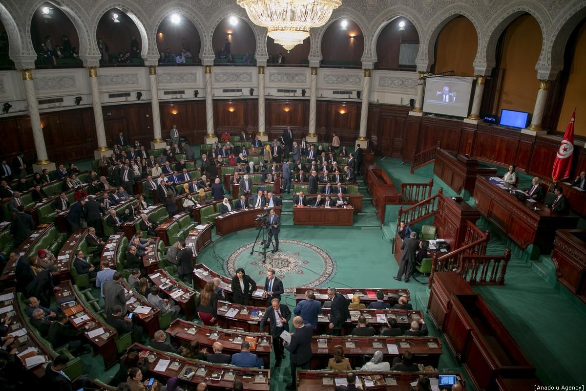 Photo of تونس: جهود في البرلمان لإلغاء اتفاقية الاستثمار مع الإمارات