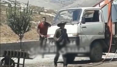 Photo of بالفيديو: شبان لبنانيون يغتصبون طفلًا سوريًا ويبرحونه ضربًا