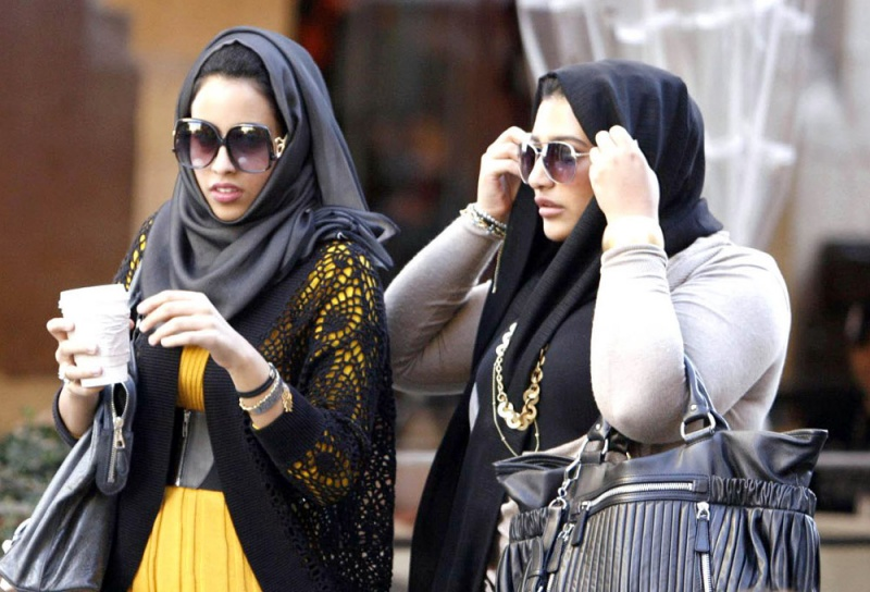 صورة بمِ غرّد الخليجيون على فرض رسوم تأشيرة دخولهم مصر؟