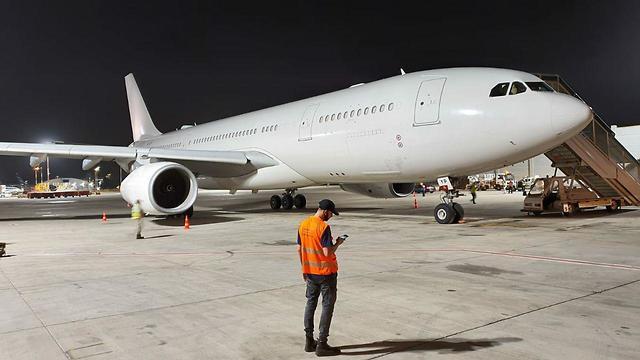 طائرة الاتحاد للطيران الإماراتية أخفت رموزها عند هبوطها في مطار بن غوريون الإسرائيلي الشهر الماضي