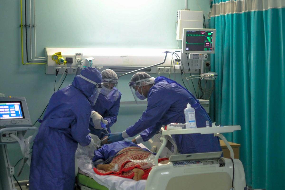 صورة انتحار مصاب مصري بفيروس كورونا قفزًا من نافذة المشفى!
