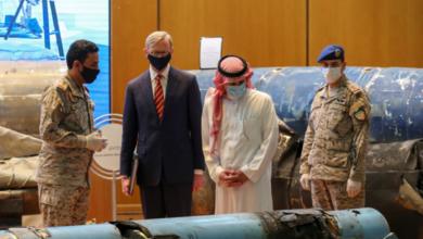 وزير الدولة السعودي للشؤون الخارجية عادل الجبير (الثاني من اليمين) والممثل الأمريكي الخاص لإيران بريان هوك (الثاني من اليسار)