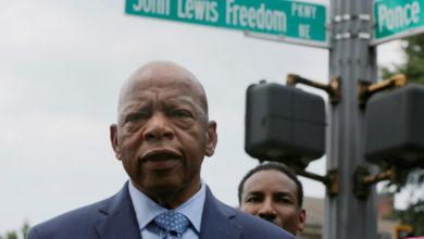 صورة وفاة جون لويس أسطورة حركة الحقوق المدنية الأمريكية