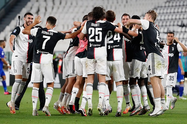 فريق يوفنتوس بطل الدوري الايطالي