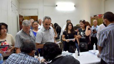 صورة واردة من أحد مراكز الإقتراع وسط تفشي فايروس كورونا