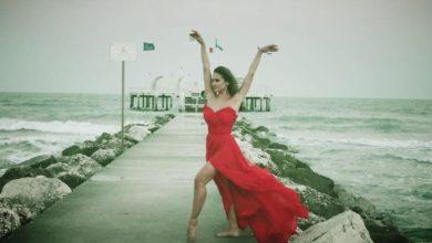 Photo of نيللي كريم تبهر متابعيها بإطلالة صيفية مميزة في ظهور جديد لها