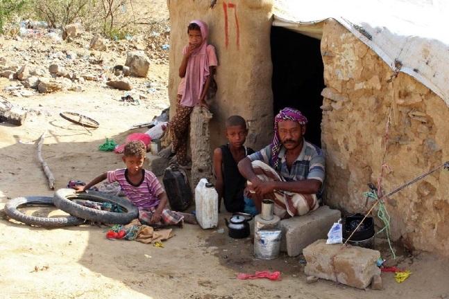 عدد الأطفال اليمنيين الذين يعانون من المجاعة وسوء التغذية في اليمن قد يصل إلى 2.4 مليون بنهاية 2020