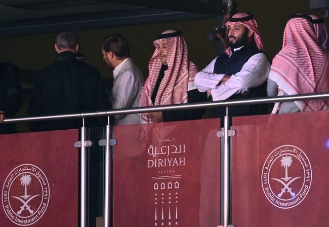 المسؤولين في السعوديين يبحثون بشكل جديّ شراء نادي ميلان