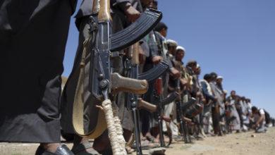 """الحكومة اليمنية تنفي """"أكاذيب"""" الحوثيين بشأن البيضاء"""
