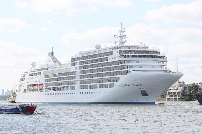 فيروس كورونا يوقف أول رحلة سياحية بحرية سعودية