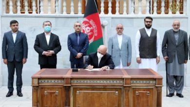 الرئيس الأفغاني يوقع مرسوم الإفراج عن معتقلي طالبان بموجب اتفاق قطر