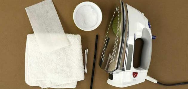 طرق سهلة لتنظيف مكواة الملابس
